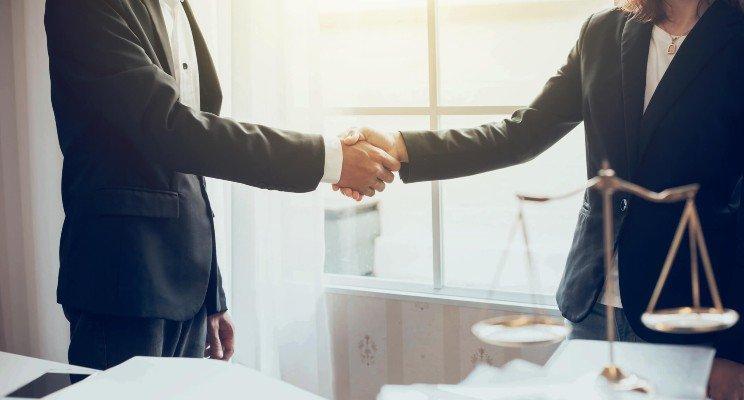 Es necesaria la asesoria de un abogado para poder hacer el reclamo por indemnizacion
