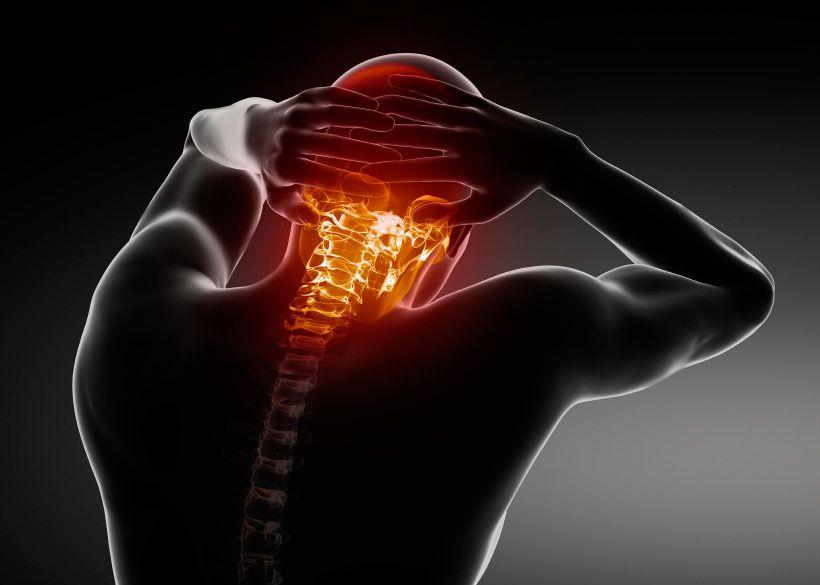 Que síntomas surgen al tener una lesion por latigazo o esguince cervical